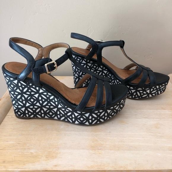 a0ca6fd558d4 Clarks Shoes - Clarks Artisan Amelia Avery Platform Sandals Shoes